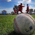 MLB rechaza temporada de 114 juegos sin recorte salarial